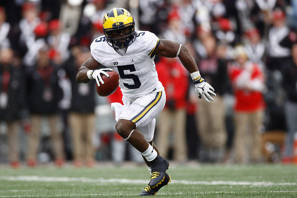 COLUMBUS, OH - NOVEMBER 26:   Jabrill Peppers #5 of the Michigan Wolverines runs after intercepting a pass from J.T. Barrett #16 of the Ohio State Buckeyes during the second half of their game at Ohio Stadium on November 26, 2016 in Columbus, Ohio.  (Photo by Gregory Shamus/Getty Images)
