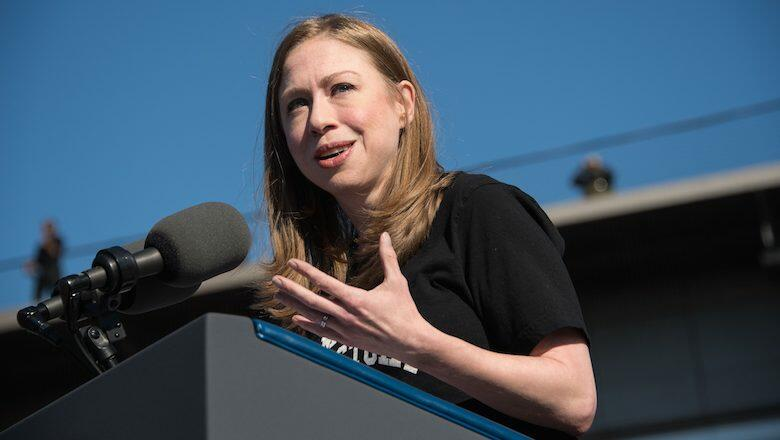 Chelsea Clinton introduces US President Barack Obama at a rally  for Democratic presidential nominee Hillary Clinton in Ann Arbor, Michigan, on November 7, 2016. / AFP / NICHOLAS KAMM        (Photo credit should read NICHOLAS KAMM/AFP/Getty Images)