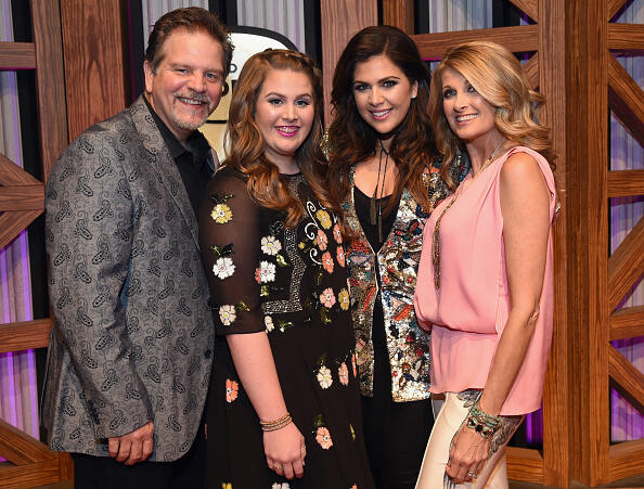 NASHVILLE, TN - OCTOBER 25:  Hillary Scott & The Scott Family L/R: Lang Scott, Rylee Scott, Hillary Scott and Linda Davis attend Jason Aldean's 11th Annual Event Benefitting Susan G. Komen As Part of