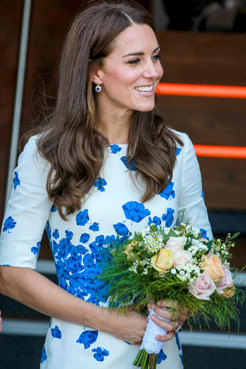 ** RESTRICTIONS: ONLY UNITED STATES, CANADA ** London, UNITED KINGDOM - London, UK - Kate Middleton and Prince William leaving Bute Mills after visiting the buildings of Youthscape in Luton Bedfordshir    AKM-GSI 24 AUGUST 2016   To License These Photos,