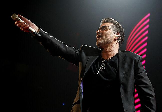 "George Michael Kicks Off His ""25 Live"" Tour"