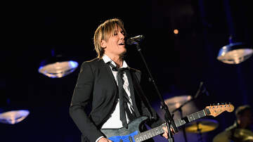 Levi - PHOTO: Keith Urban's Daughters Make Adorable Sign for Dad