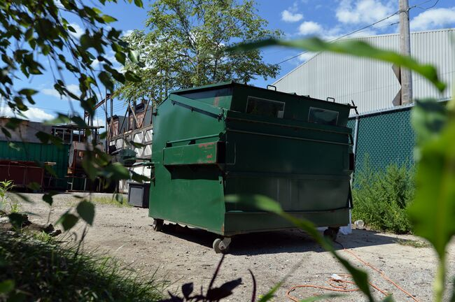 US-LIFESTYLE-HOUSE-DUMPSTER