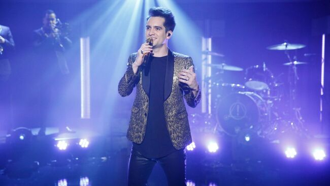 Panic! At The Disco Fan Returns Stolen Award With Apology Letter