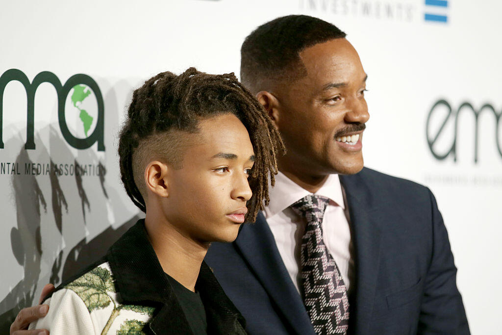 BURBANK, CA - OCTOBER 22:  Actors Jaden Smith (L) and Will Smith attend the Environmental Media Association 26th Annual EMA Awards Presented By Toyota, Lexus And Calvert at Warner Bros. Studios on October 22, 2016 in Burbank, California.  (Photo by Phillip Faraone/Getty Images for Environmental Media Association )