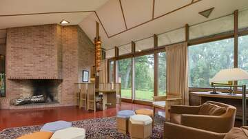 Michael Anthony Smith - Step Back In Time, A Frank Lloyd Wright Home Untouched for 57 Years!