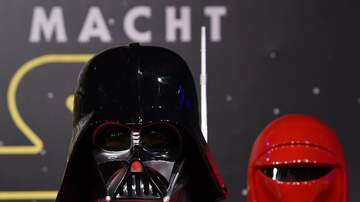 EJs Page - DARTH VADER HELMET HITS THE AUCTION BLOCK
