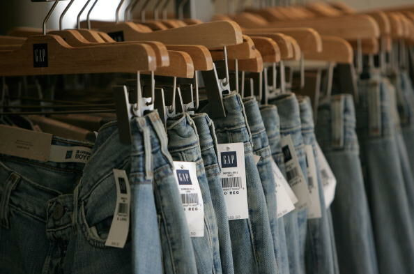Gap Announces Drop In Fourth Quarter Earnings