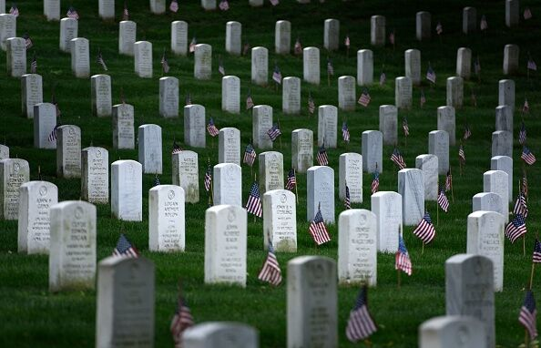 US-MILITARY-MEMORIAL DAY-FLAGS