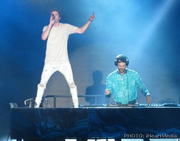 Chainsmokers bringing the house down!