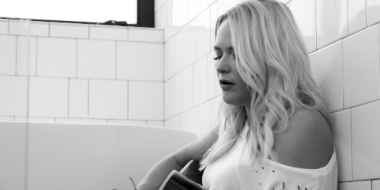 Watch Miranda Lambert's Candid 'Tin Man' Unplugged Video | Premiere