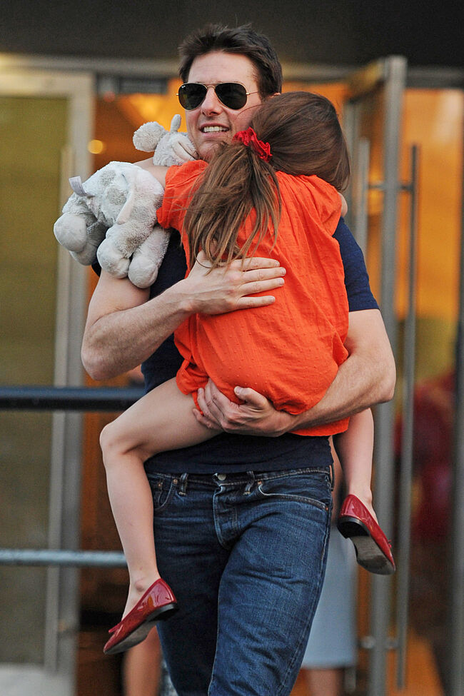 Tom Cruise spotted holding Suri while arriving and leaving Chelsea Piers in NYC