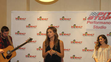 Pit Stop Performance Studio (494476) - Carly Pearce Performs 'Every Little Thing' (VIDEO)