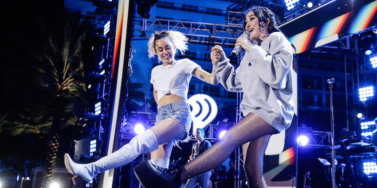 Noah Cyrus Dances With Miley, Covers The Weeknd in Miami
