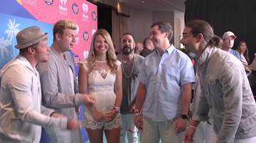 iHeartRadio Summer Pool Party - Backstreet Boys Serenaded Two Fans In Miami (VIDEO)