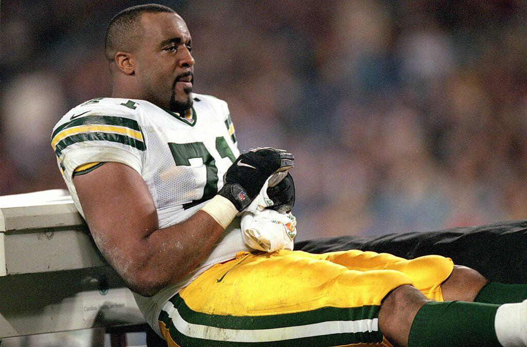 27 Nov 2000:  Santana Dotson #71 of the Green Bay Packers watches the action during the game against the Carolina Panthers at the Ericsson Stadium in Charlotte, North Carolina. The Panthers defeated the Packers 14-31.Mandatory Credit: Craig Jones  /Allspo
