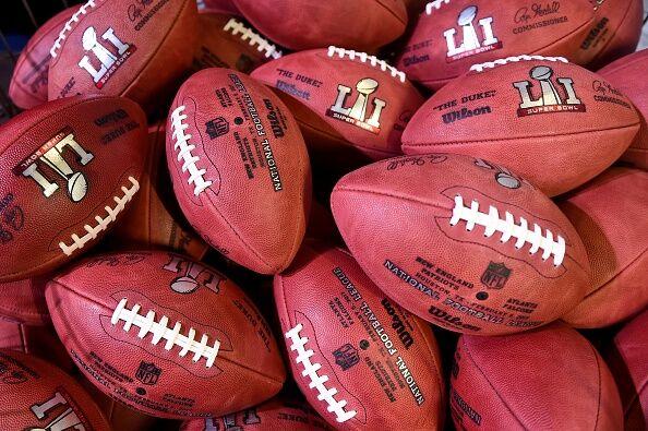 AMFOOT-NFL-SUPERBOWL-FANS