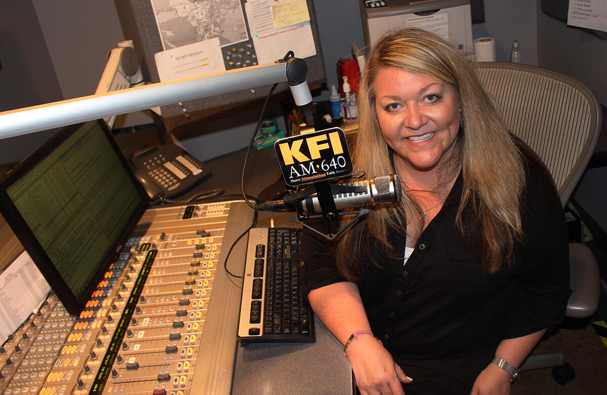 Jennifer Jones Lee Wake Up Call Host Amp Anchor For Bill