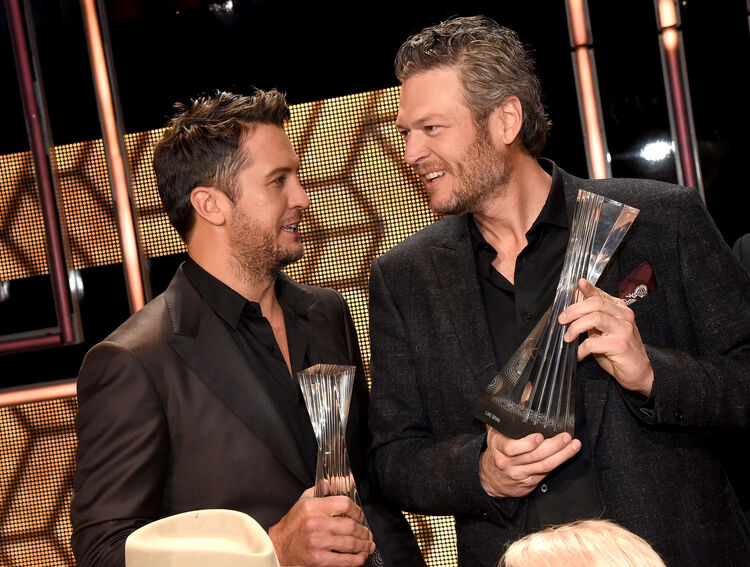 "2015 ""CMT Artists of the Year"""