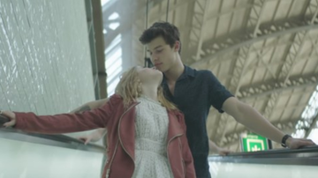 Romeo's Blog - Shawn Mendes Tours Europe In 'There's Nothing Holdin' Me Back' Video