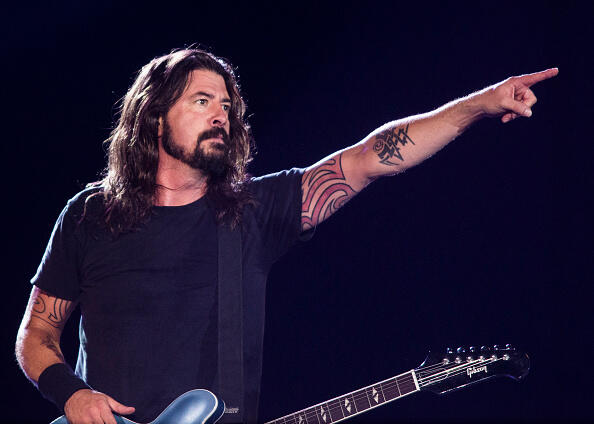 RIO DE JANEIRO, BRAZIL - JANUARY 25: Dave Grohl from Foo Fighters performs at Maracana on January 25, 2015 in Rio de Janeiro, Brazil. (Photo by Raphael Dias/Getty Images)