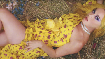 Romeo's Blog - Katy Perry Brings Back Long Hair For 'Feels' Video With Pharrell & Big Sean