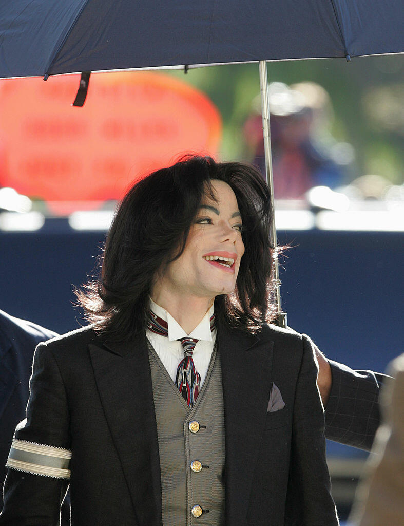 SANTA MARIA, CA - APRIL 5:  Michael Jackson arrives for his child molestation trial at Santa Barbara County Superior Court April 5, 2005 in Santa Maria, California. Jackson is charged in a 10-count indictment that included molesting a boy, plying him with
