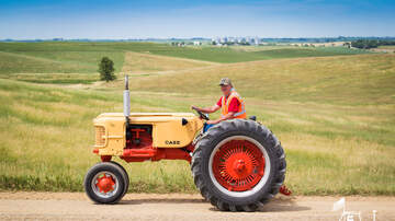 Tractor Ride Blog - 2017 Tractor Ride Photos: Red Group