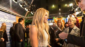 Edgar Ivan - Shakira diseñadora de Trajes de Baños