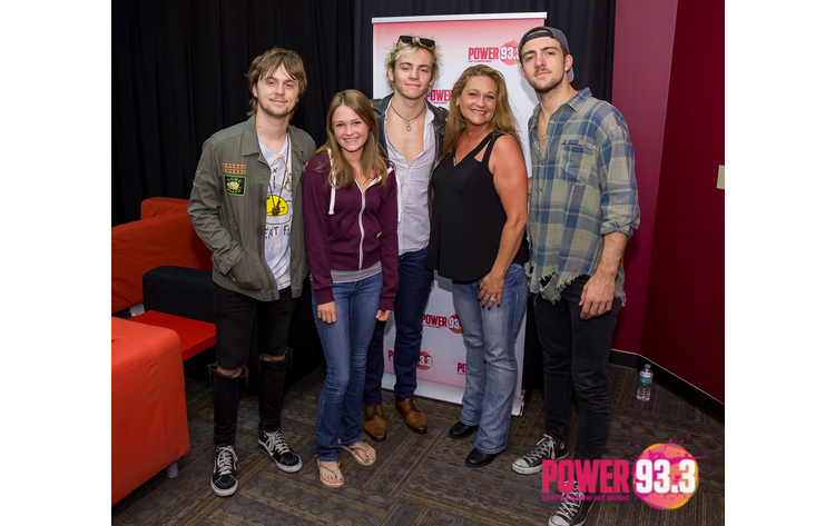 R5 in the power 933 vip lounge meet and greet photos kube 933 r5 meet and greet photos at power 933 m4hsunfo