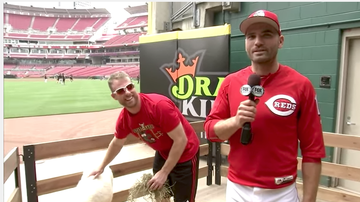 Lance McAlister - This date 2017: Watch Joey Votto present Zack Cozart with All-Star donkey