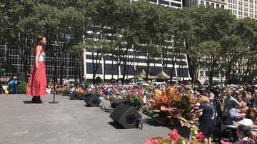Broadway in Bryant Park (498650) - Enjoy Your Lunch With A Side Of Broadway In Bryant Park