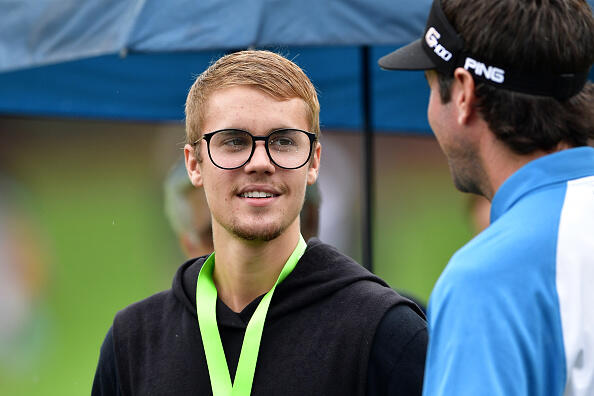 Justin Bieber was spotted at Quail Hollow on Practice Day 2, Tuesday August 8. (Photos by Getty Images)