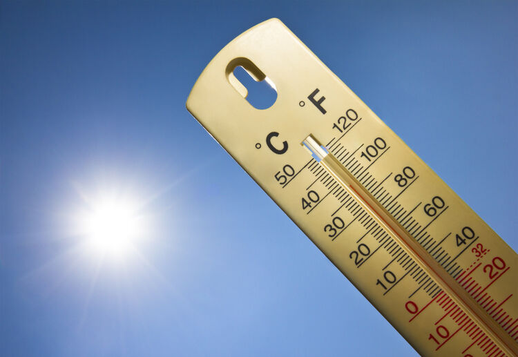 Hot weather thermometer Getty RF