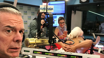 Elvis Duran - Behind-The-Scenes Pics