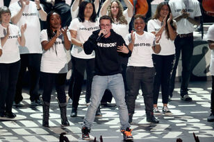 Logic, Khalid & Alessia Cara Dominate VMAs With '1-800-273-8255'