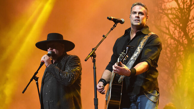 Troy Gentry Has Died In A Helicopter Crash