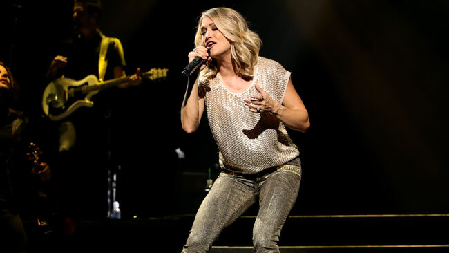 Carrie Underwood On Fire In Sunday Night Football Intro 102 5 Wdve