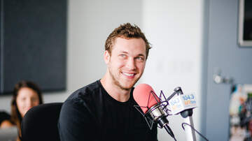 Valentine In The Morning - Phillip Phillips Performs New Single Miles