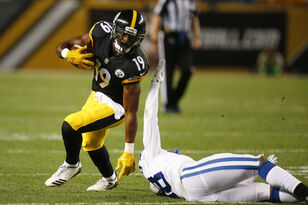 Steelers WR JuJu Smith-Schuster w/ Mikey and Bob