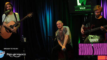 Radio 104.5 Studio Session CDs - Studio Sessions Vol. 9 - Track 8: Biffy Clyro - Howl
