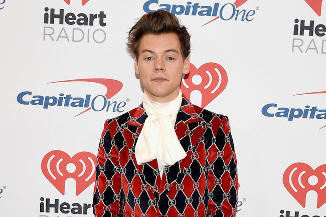 8723ae8d6ed Harry Styles s  iHeartFestival Suit Is Perfection   Twitter Is ...
