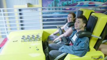 iHeartRadio Music Festival - Jack Antonoff Rode A Roller Coaster With A Fan In Las Vegas (VIDEO)