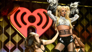 On The Move with Enrique Santos Blog (58577) - Britney Spears Plots Vegas Return: 'We'll Get Through This Together'
