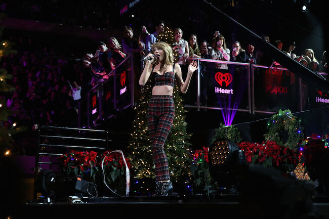 Taylor Swift - Jingle Ball
