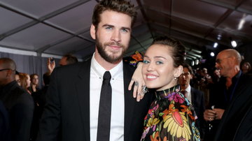 On The Move with Enrique Santos Blog (58577) - Miley Cyrus Makes Red Carpet Comeback With Liam Hemsworth: See The Photos