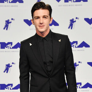 Drake Bell Angrily Chews Out Ball-Throwing High Schoolers At Concert