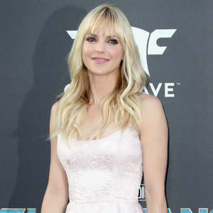 Anna Faris Dating Cinematographer Michael Barrett: Report