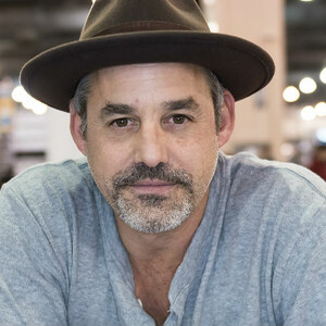 'Buffy' Star Nicholas Brendon Busted For Attacking Girlfriend