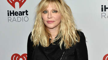 Ian - Courtney Love back on stage and sounding...TERRIBLE!